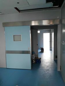 sliding hermetic door for operating theatre